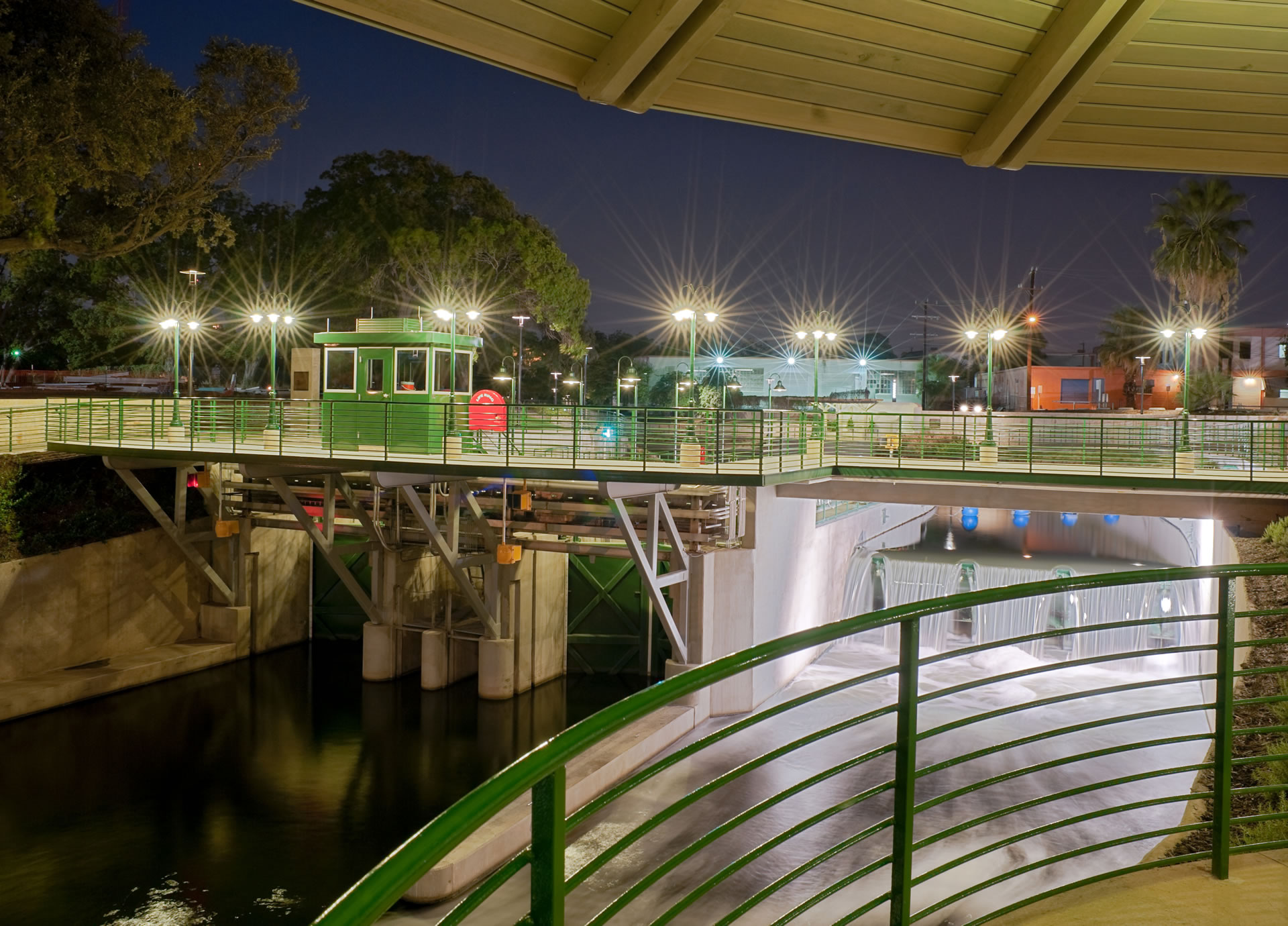 Lock and Dam on Museum Reach