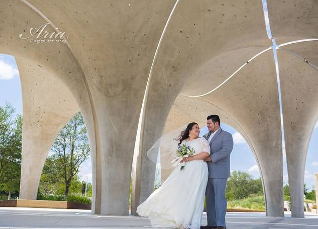 Wedding Couple at Confluence Park